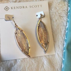 NWT Kendra Scott Rose Gold Dusted Maxwell earrings